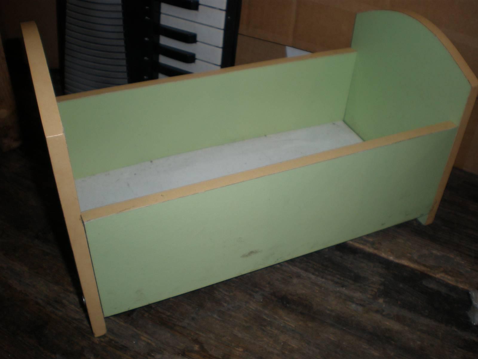 Как сделать кровать из коробки фото